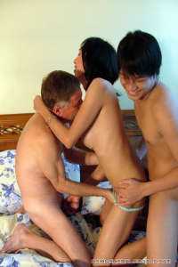 Horny asian Tranny WILLIS in trio action