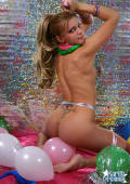 Karen bare ass and excessive color