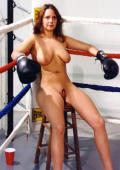 Nude boxing star