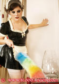 Maid in latexdress gets her first lesson