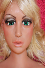 LOVE DOLL CANDY close up