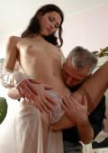 Leggy girl luring her greying lover into hot muff-diving